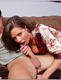 Fucking His Friends Hot Mom