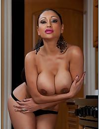 Busty Indian Cougar Priya Rai