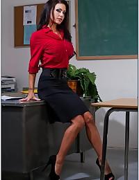 He fucked pierced pussy teacher