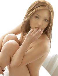 Beautiful naked Japanese girl