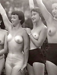 Real vintage outdoor girls posing in the nude