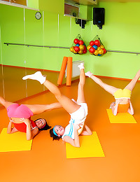 Four sporty workout girls