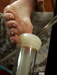 GoatMilkers suck her toes, Ha...
