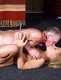 Blonde babes sharing two seni...