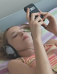 Ivana Fukalot - Naughty teenage girl doesn't take her headphones off even when fucking