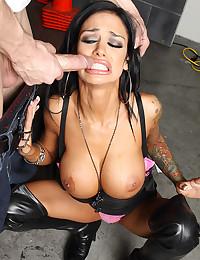 Delicious fuck with slutty pornstar