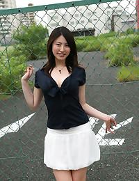 Pretty Asian Minx Flaunts Killer Curves