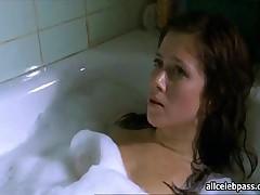 Anna Friel - Anna Friel Lies Naked In Tub