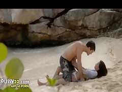 ultra sexy asian makinglove on the beach