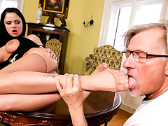 Lick My Feet Mr Clark! Says Sexy Porn Star Anastasia Brill