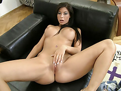Sexy Teen bi-sexual uses sex toys on herself to tease you.
