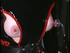 Pretty Slaves Are Terrorized In Dungeon