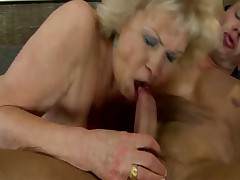 Blonde granny loves to pussy fuck